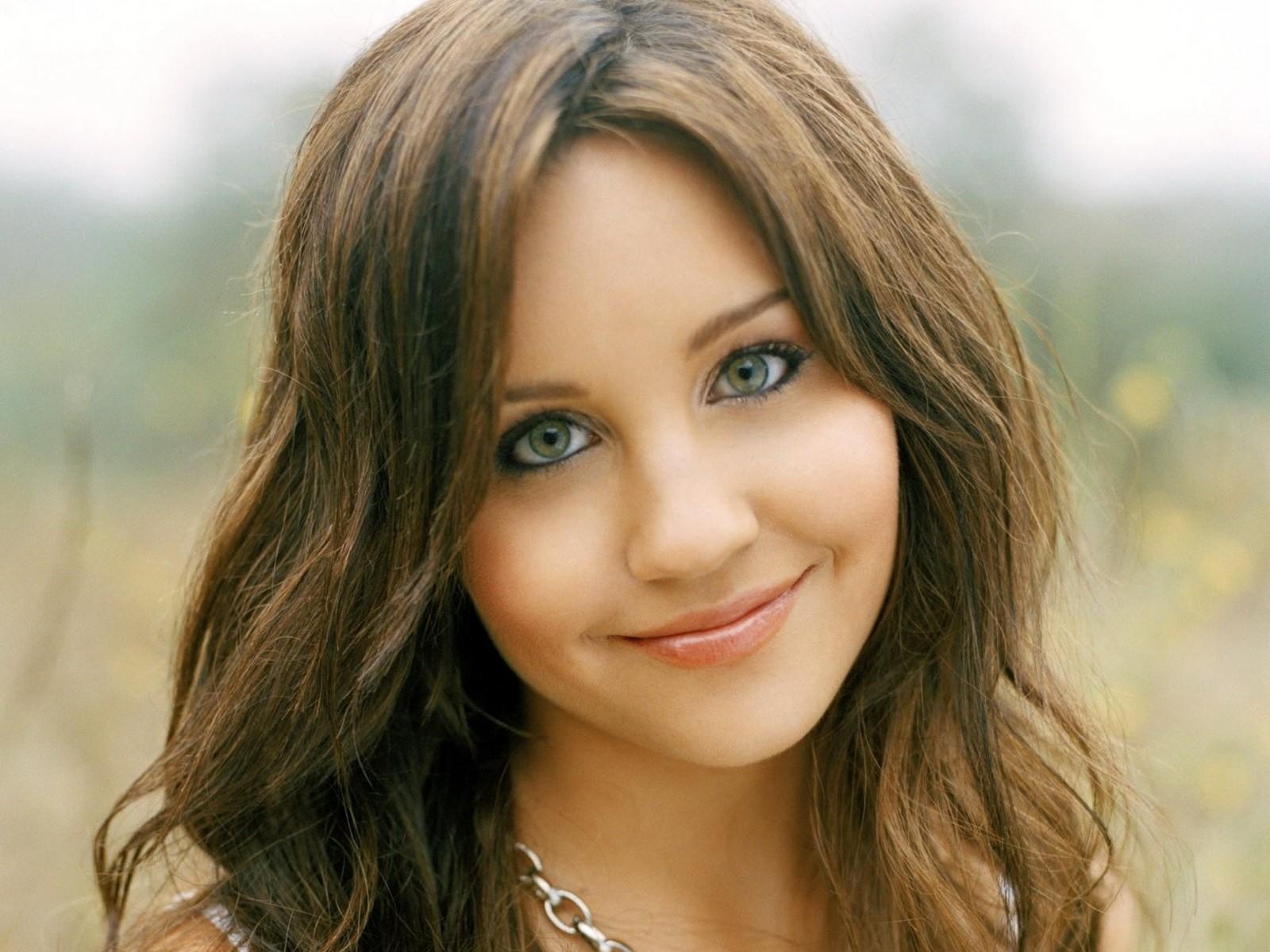 Full Hd Wallpapers 3d Hollywood Actress Full Hd 1600x1200 Download Hd Wallpaper Wallpapertip