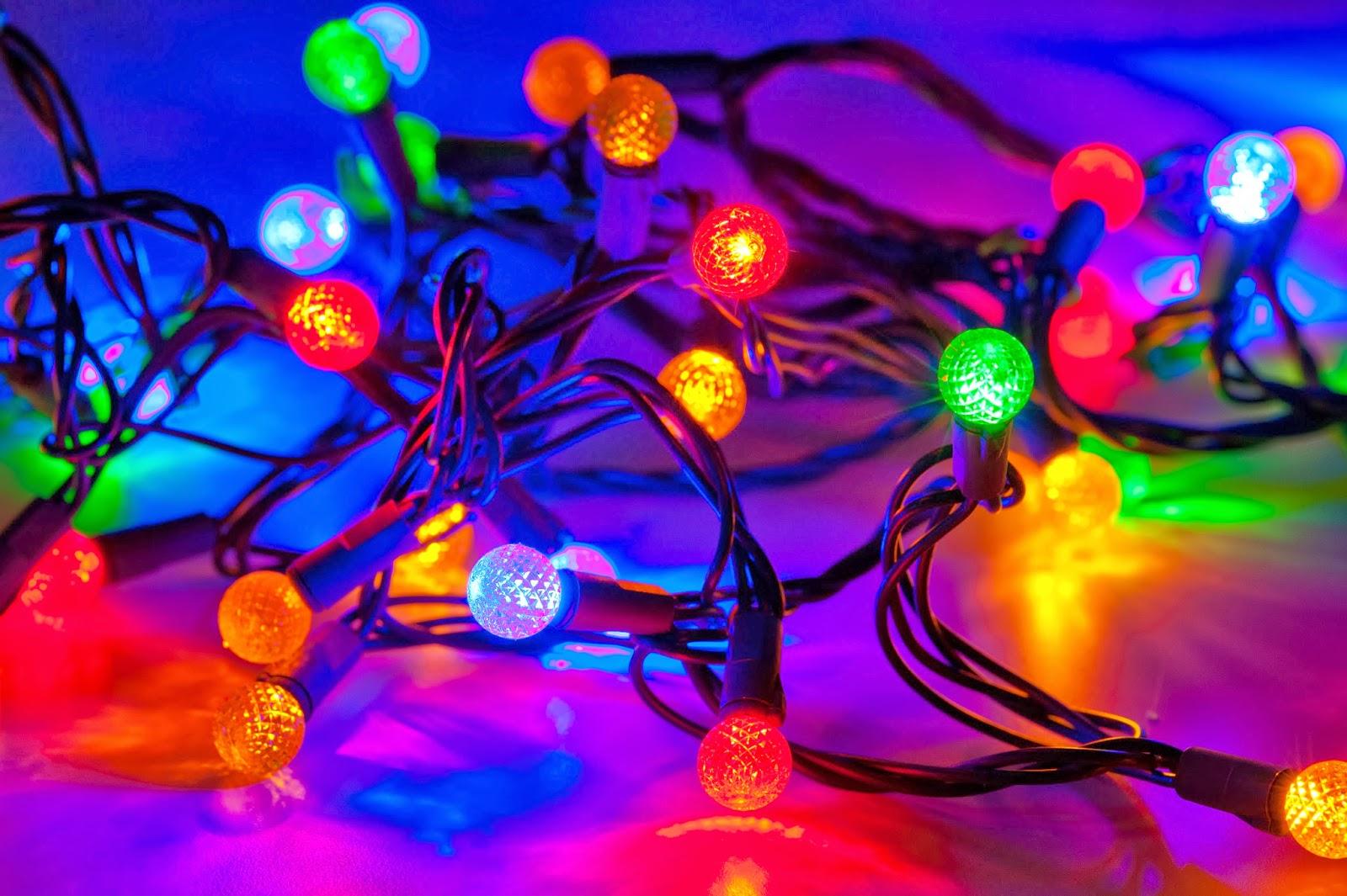 10 109415 christmas lights wallpaper christmas lights mac backgrounds
