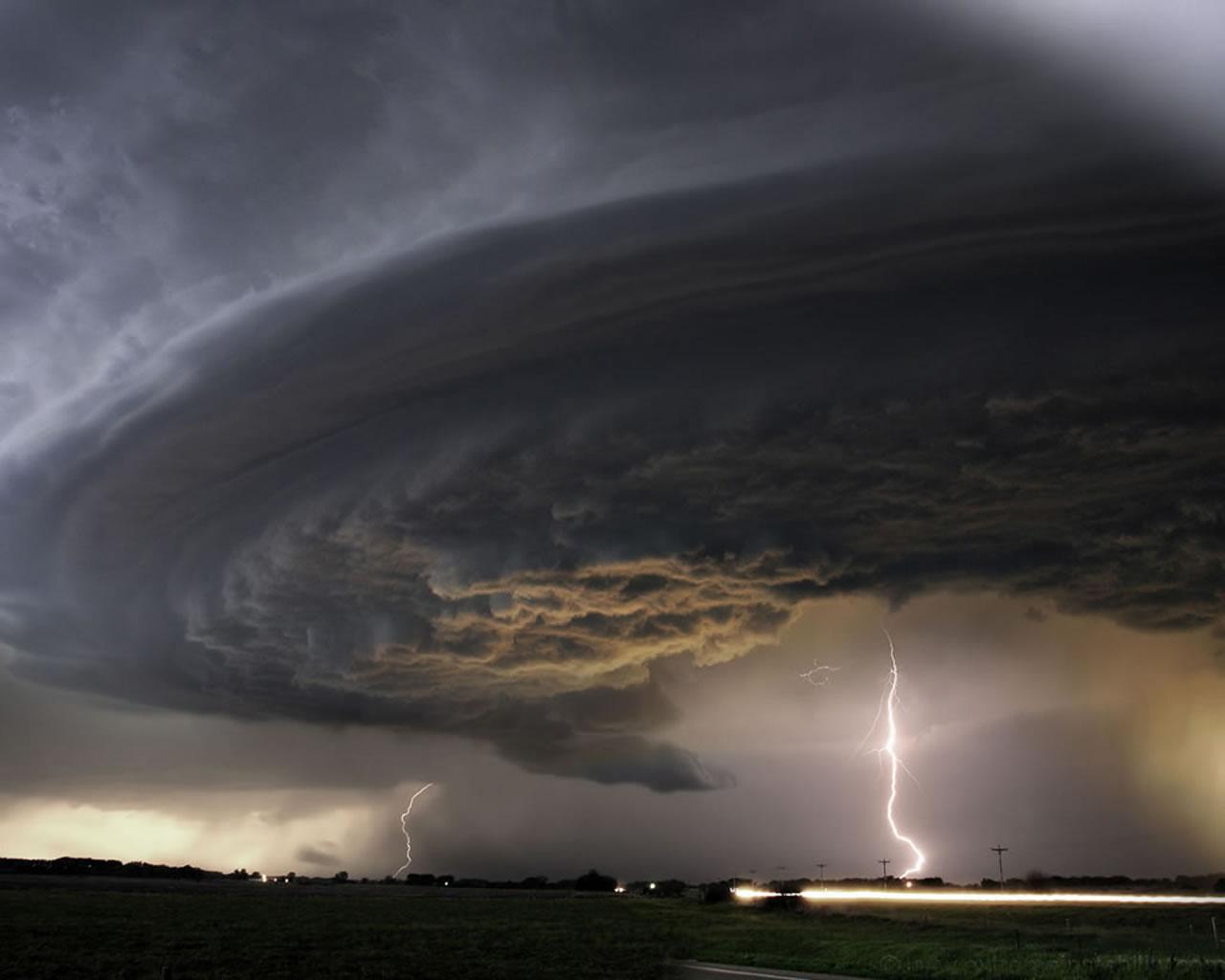 Tornado Supercell 1280x1024 Download Hd Wallpaper Wallpapertip