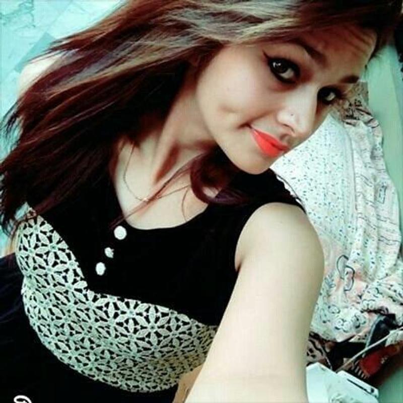 Indian Girls Wallpaper Hd New Indian Girl 800x800 Download Hd Wallpaper Wallpapertip