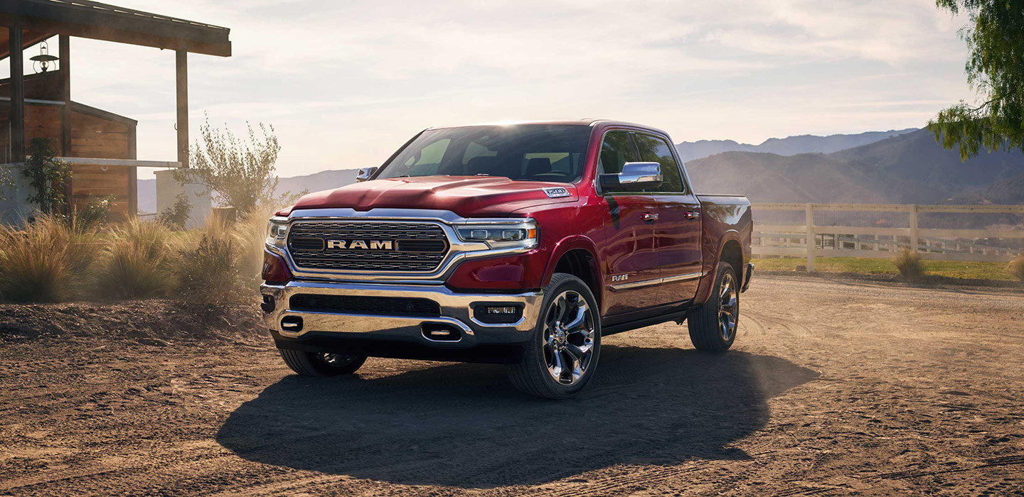2019 Ram 1500 Red Color Off Road Front Side View Park Dodge Ram 2019 1440x700 Download Hd Wallpaper Wallpapertip