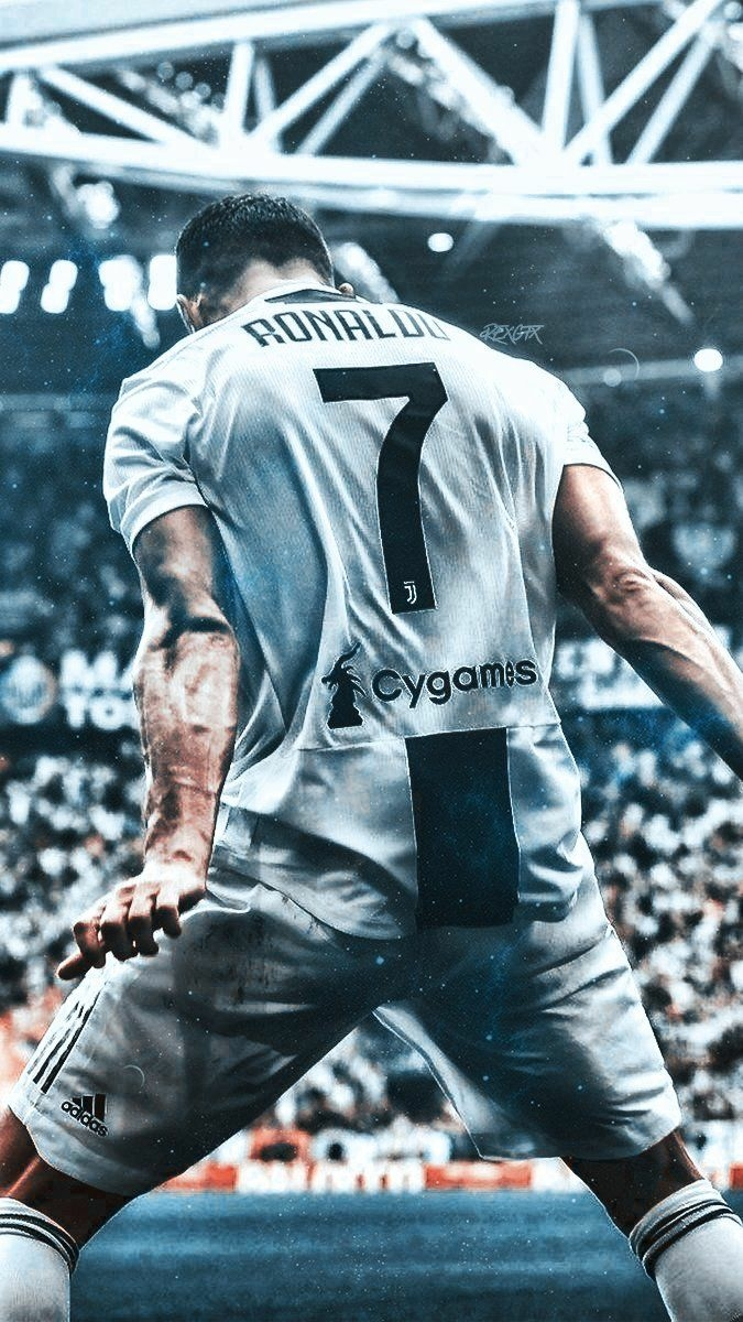 Cristiano Ronaldo Hd Wallpapers For Iphone Cristian Ronaldo 675x1200 Download Hd Wallpaper Wallpapertip