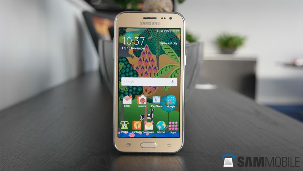 Samsung Galaxy J2 Hands 1023x576 Download Hd Wallpaper Wallpapertip