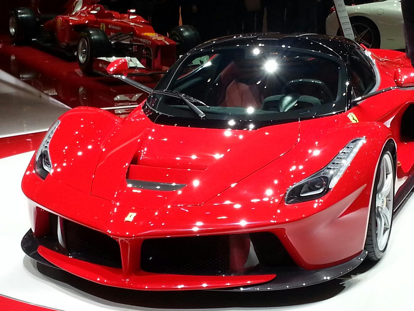 Latest La Ferrari Car Hd Widescreen Background Images All Ferrari Car New Model 1400x1050 Download Hd Wallpaper Wallpapertip
