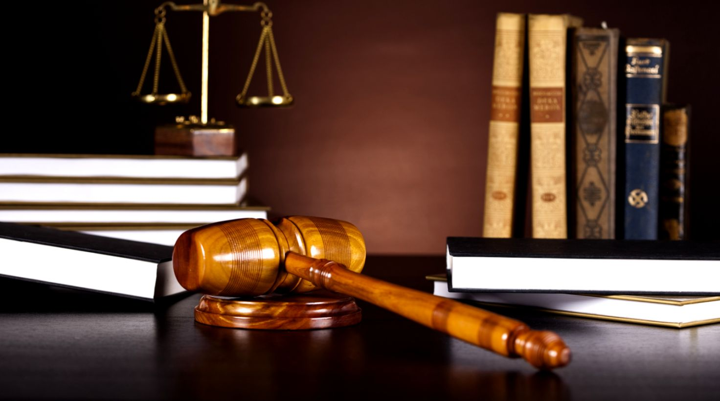 Best 56 Lawyer Wallpaper On Hipwallpaper Lawyer Wallpaper - Law Books -  1472x819 - Download HD Wallpaper - WallpaperTip