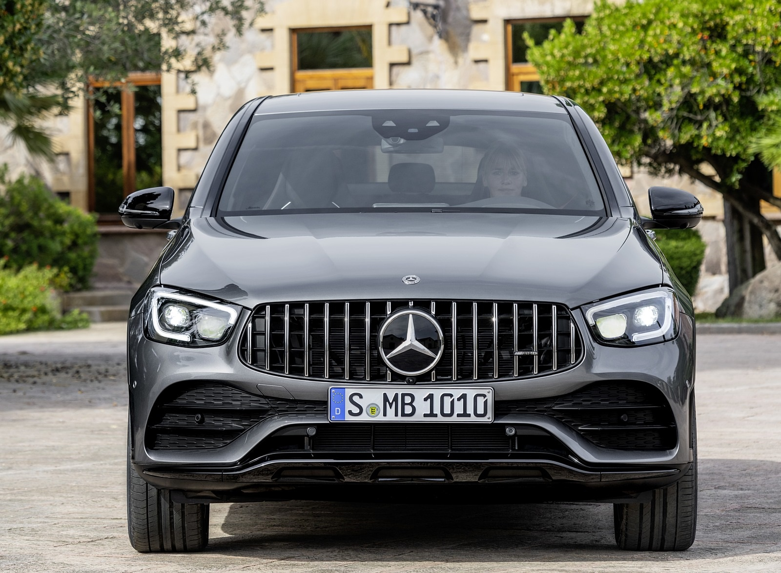 2020 Mercedes Amg Glc 43 4matic Coupe Front Wallpapers Mercedes Benz Glc Front 1600x1174 Download Hd Wallpaper Wallpapertip