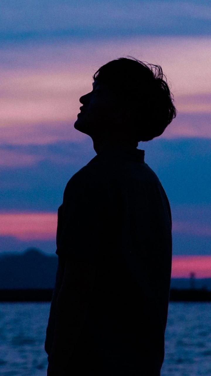 Silhouette Boy Sunset 720x1280 Download Hd Wallpaper Wallpapertip