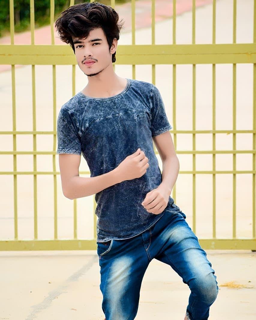 Simple Boy Pic Hd 853x1067 Download Hd Wallpaper Wallpapertip