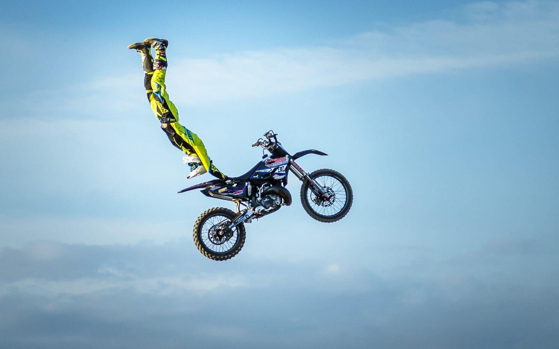 Motocross Bike High Jump Extreme Sports Wallpaper Hd Freestyle Motocross Wallpaper Hd 1920x1200 Download Hd Wallpaper Wallpapertip
