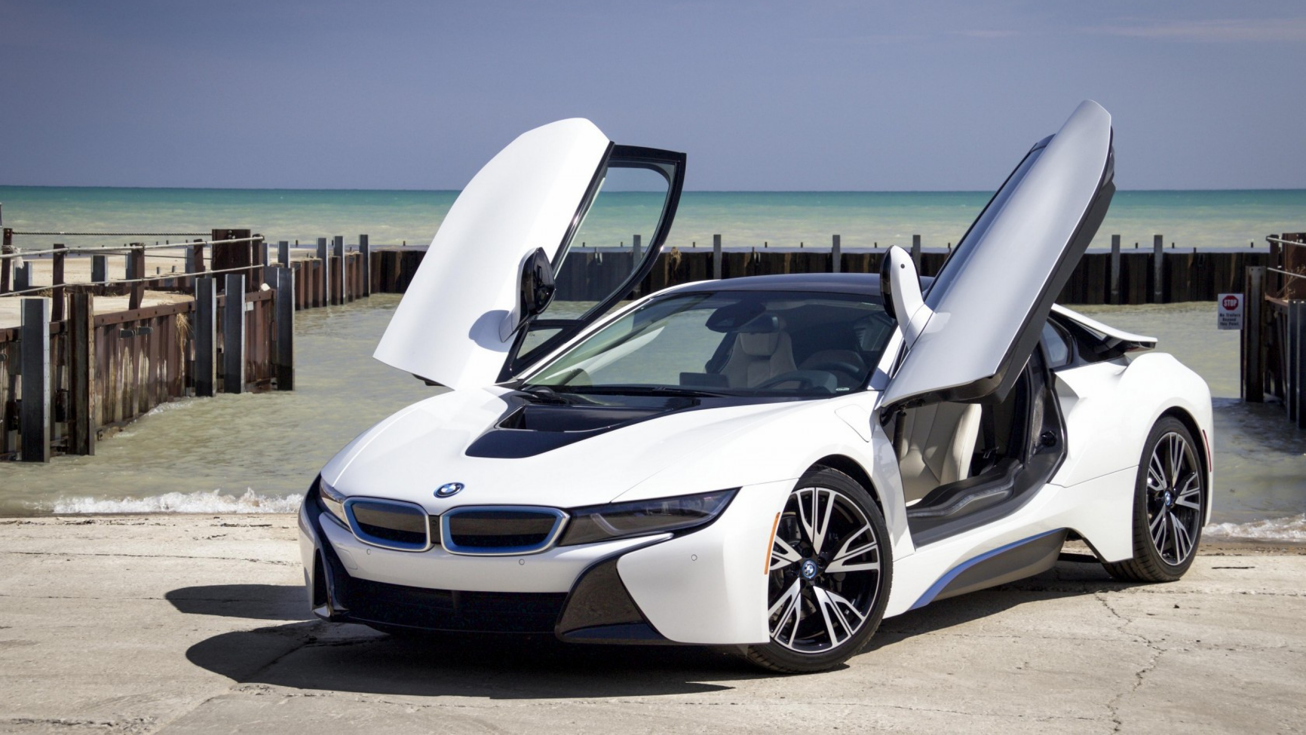 Bmw I8 Photo Download 2560x1440 Download Hd Wallpaper Wallpapertip