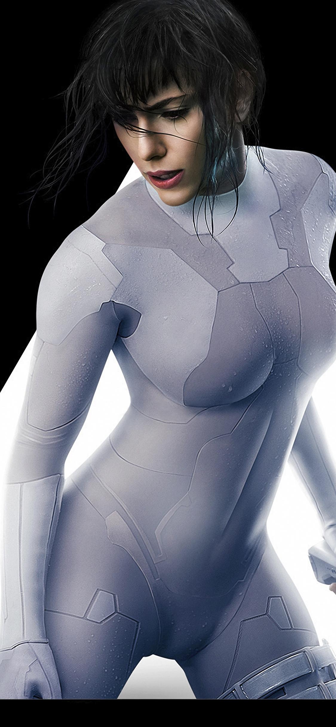 Scarlett Johansson Ghost In The Shell Costume 1125x2436 Download Hd Wallpaper Wallpapertip