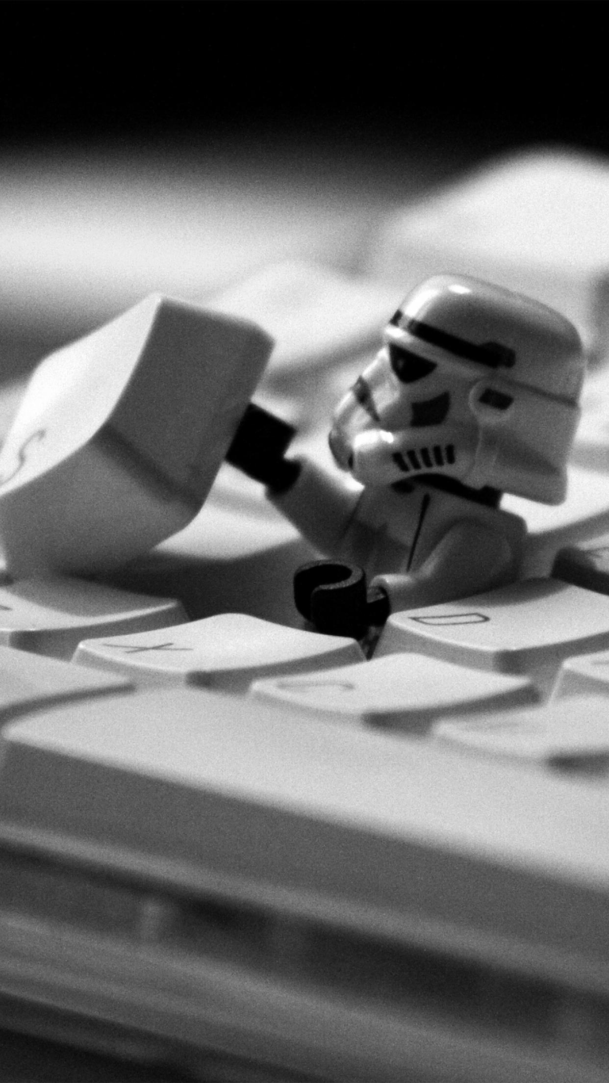 Lego Star Wars Keyboard 3wallpapers Parallax Iphone Funny Star Wars Iphone 1242x2208 Download Hd Wallpaper Wallpapertip