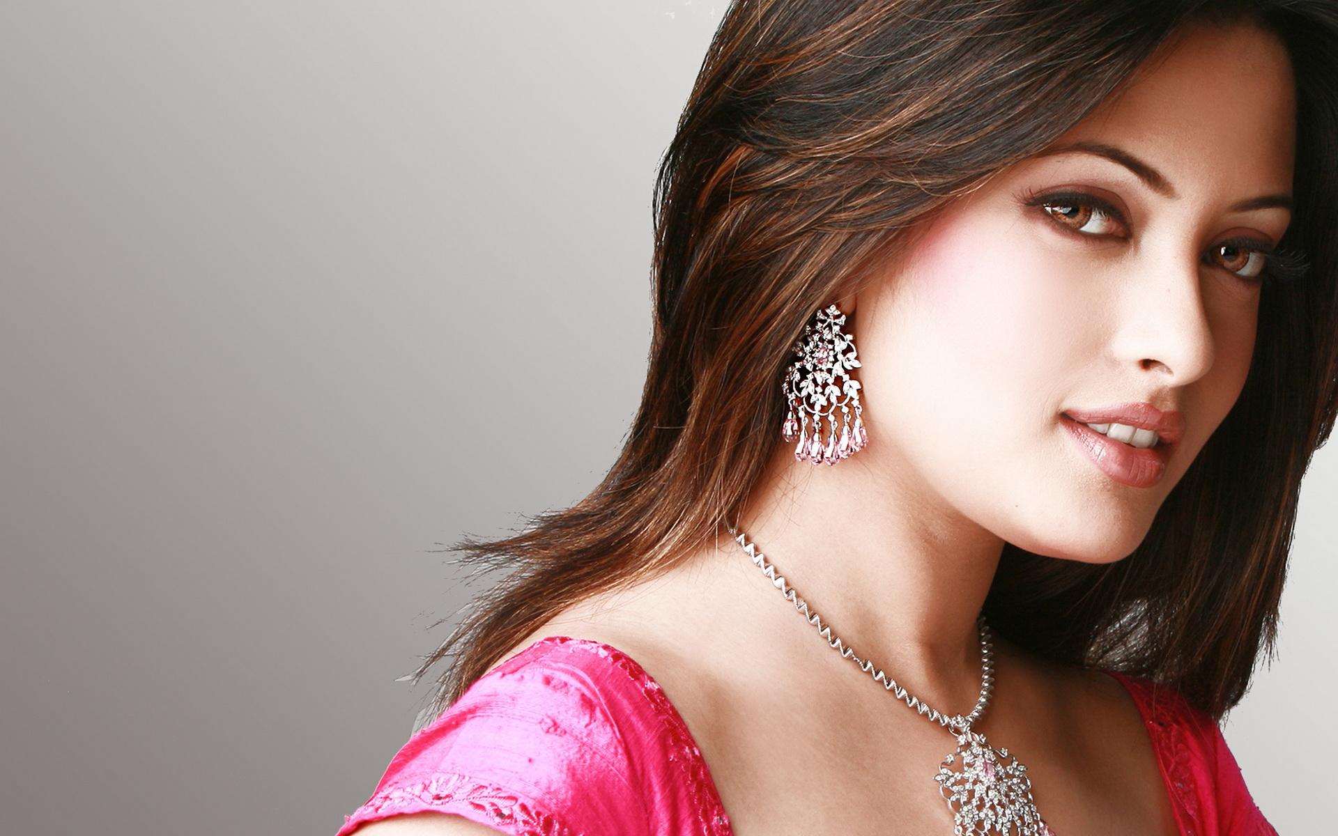 Beautiful Girl Wallpapers Qzn94 1024x640 Download Hd Wallpaper Wallpapertip