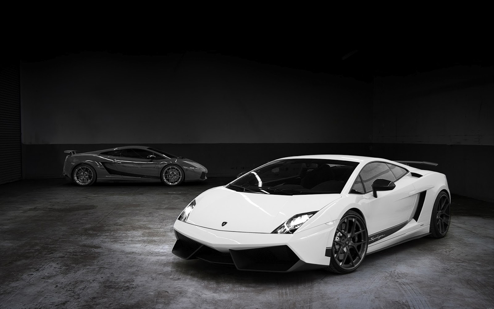 Lamborghini Sport Car In Garage Black And White Hd 1600x1000 Download Hd Wallpaper Wallpapertip