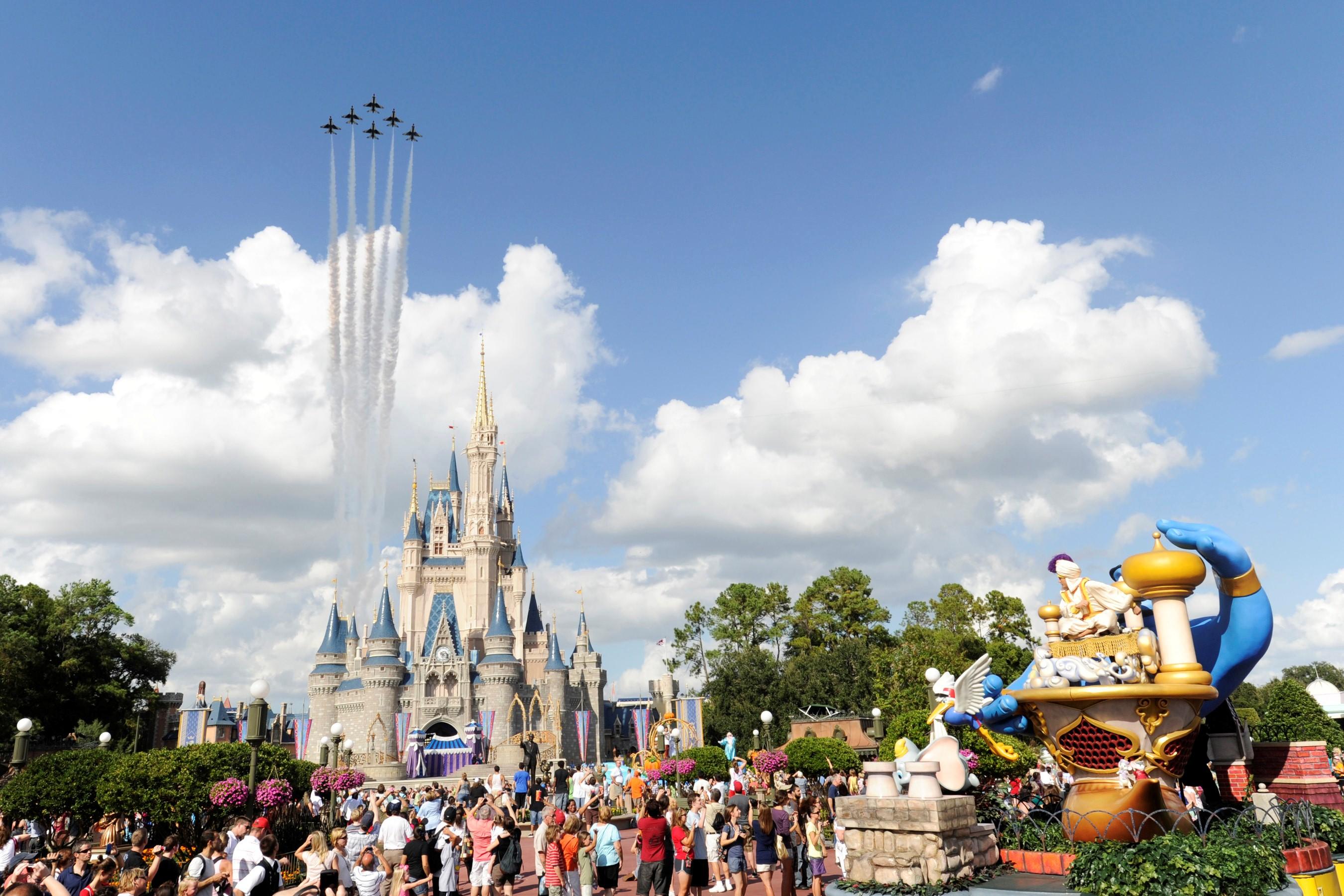 Walt Disney World Theme Park In Florida Us Hd Wallpaper 2700x1800 Download Hd Wallpaper Wallpapertip