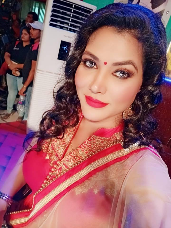 Seema Sing Ke Sexi Bhojpuri Girl Hd Fond D Ecran 720x960 Wallpapertip