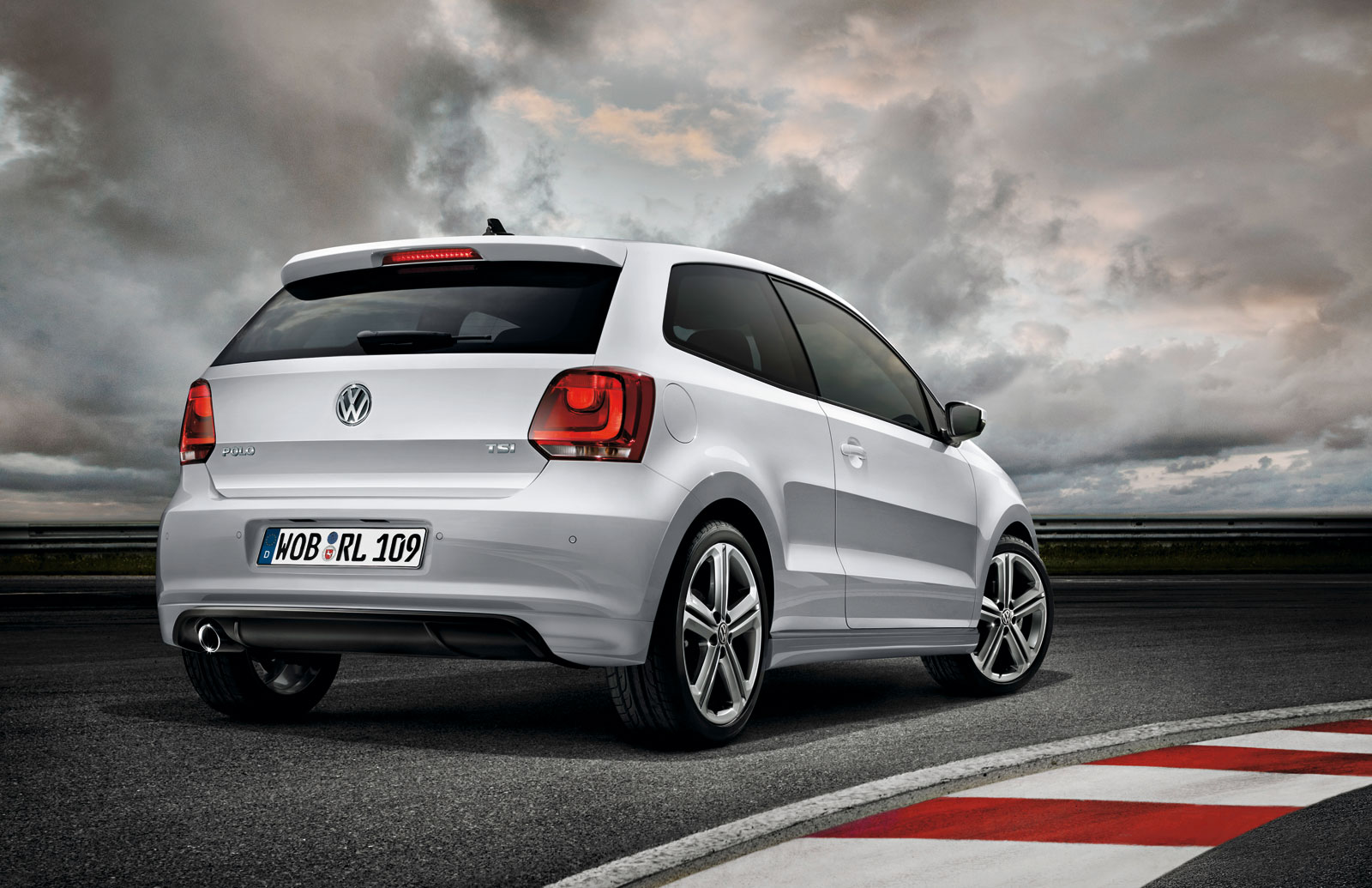 Vw Polo R Line 1600x1035 Download Hd Wallpaper Wallpapertip