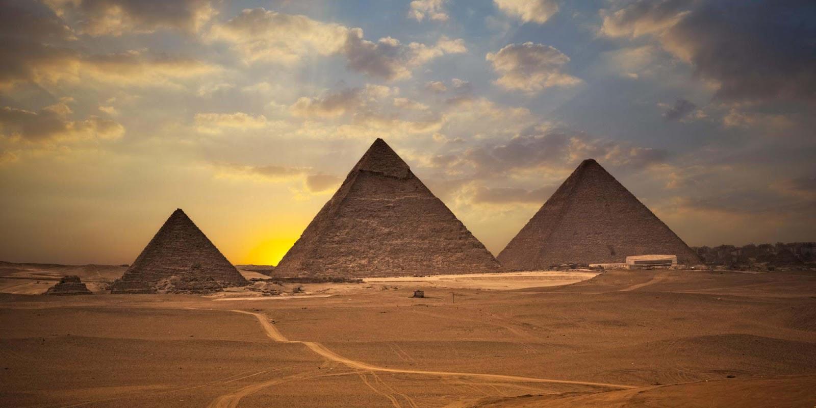 Paysage De L Egypte Fond D Ecran Pyramide Hd 1600x800 Wallpapertip