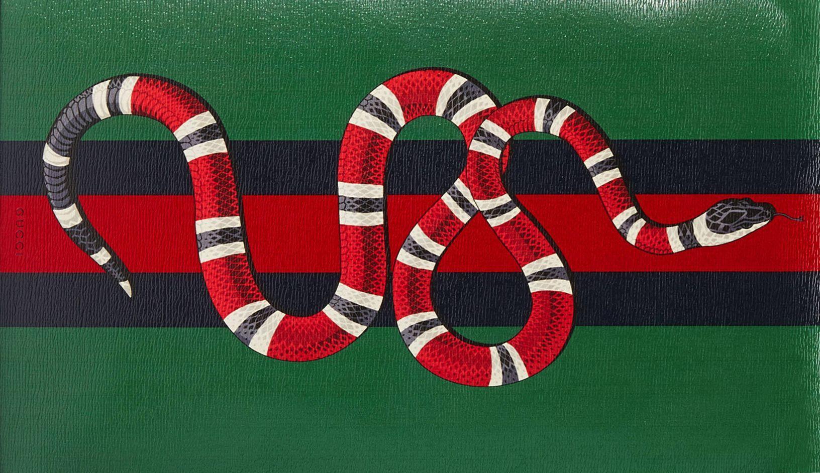 Gucci Snake Messenger Bag 1632x942 Download Hd Wallpaper Wallpapertip