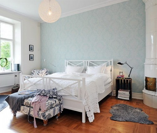 A Neutral Bedroom With A Pastel Blue Printed Wall That One Accent Wall Bedroom 500x425 Download Hd Wallpaper Wallpapertip