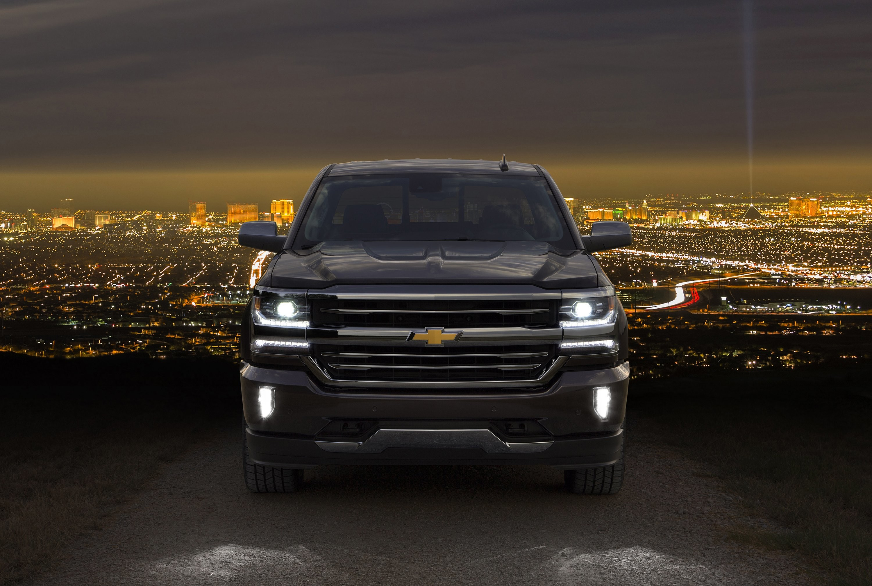 2016 Chevrolet Silverado High Country Crew Cab Pickup Chevy Silverado 2018 Lights 3000x2016 Download Hd Wallpaper Wallpapertip