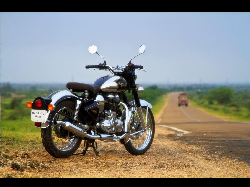 Royal Enfield Images Wallpapers Royal Enfield Classic Chrome Black 1024x768 Download Hd Wallpaper Wallpapertip