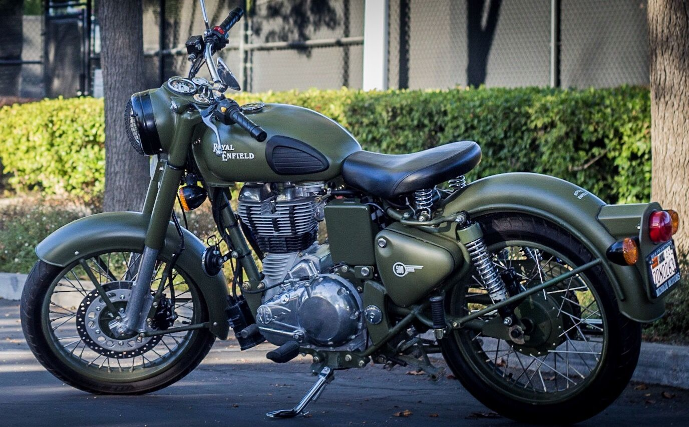 Royal Enfield Classic 500 Wallpapers 1376x853 Download Hd Wallpaper Wallpapertip
