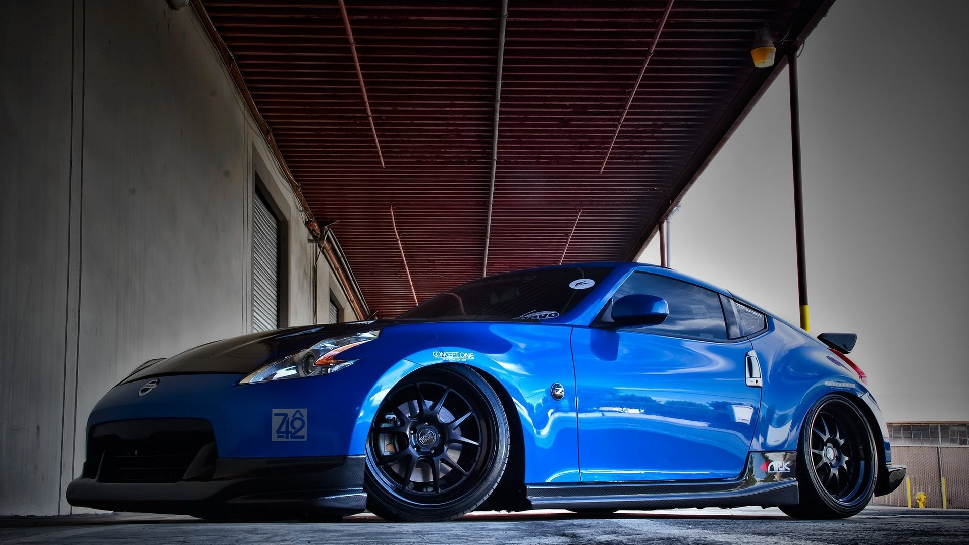 Blue Custom Nissan 370z Ground Level Photo Wide Hd Nissan 370z Coupe Tuning 1920x1080 Download Hd Wallpaper Wallpapertip