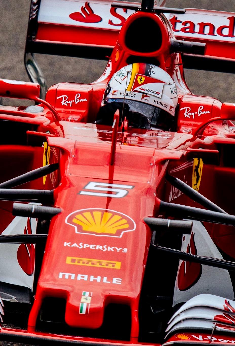 Ferrari Sfh Twitter Scuderiaferrari Seb Passing Kimi Ferrari F1 2017 Wallpaper Phone 928x1366 Download Hd Wallpaper Wallpapertip