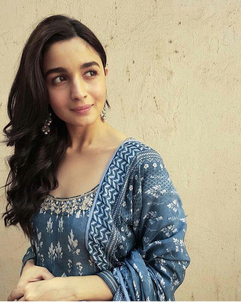 Hd Wallpaper Bollywood Schauspielerin 1080p Bollywood Schauspielerin Hd Wallpaper 1080p Kostenloser Download 800x1000 Wallpapertip