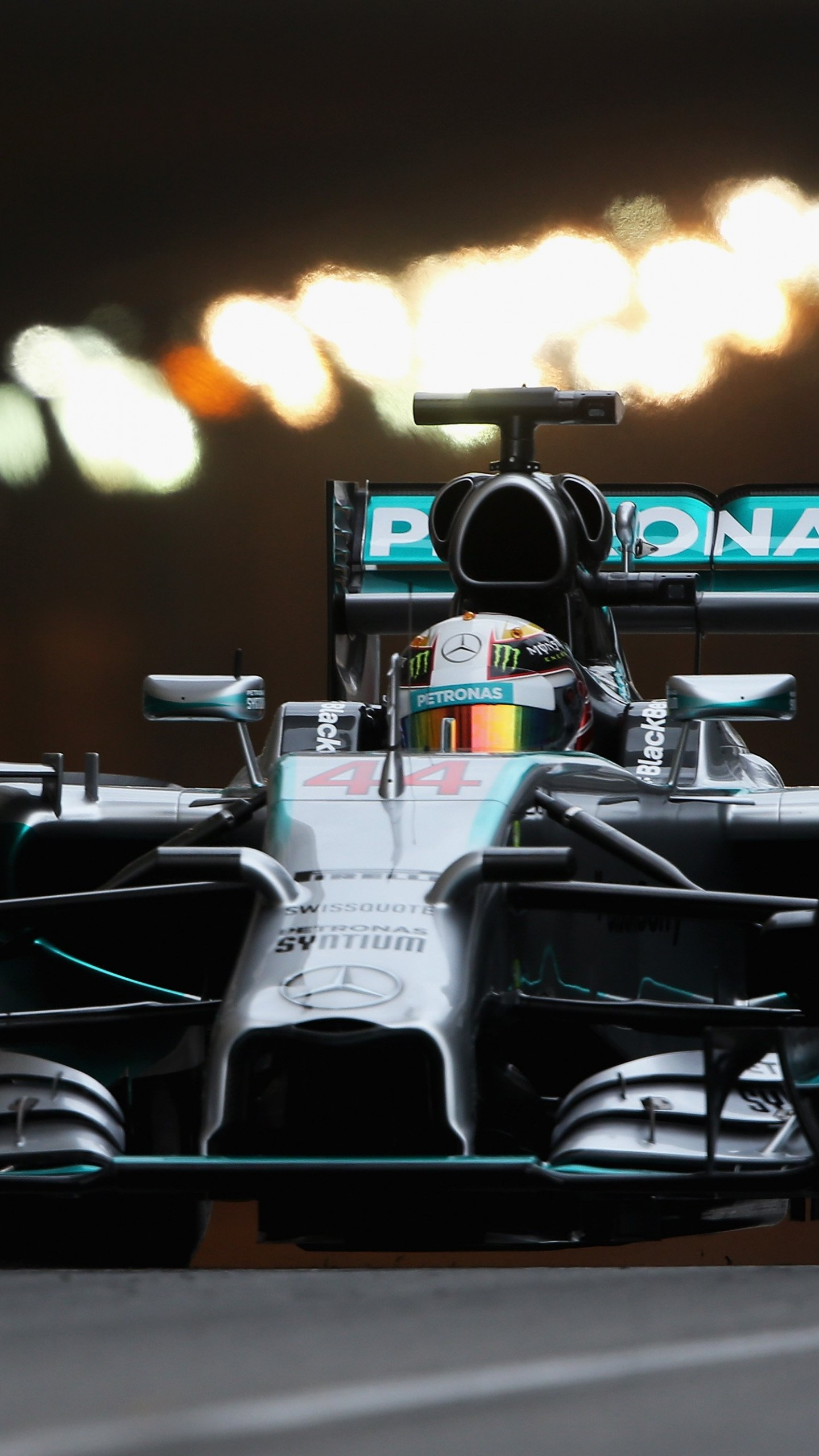 Mercedes Benz Formula 1 F1 Lewis Hamilton Helmet Lewis Hamilton Mercedes F1 Wallpaper 4k 640x1138 Download Hd Wallpaper Wallpapertip