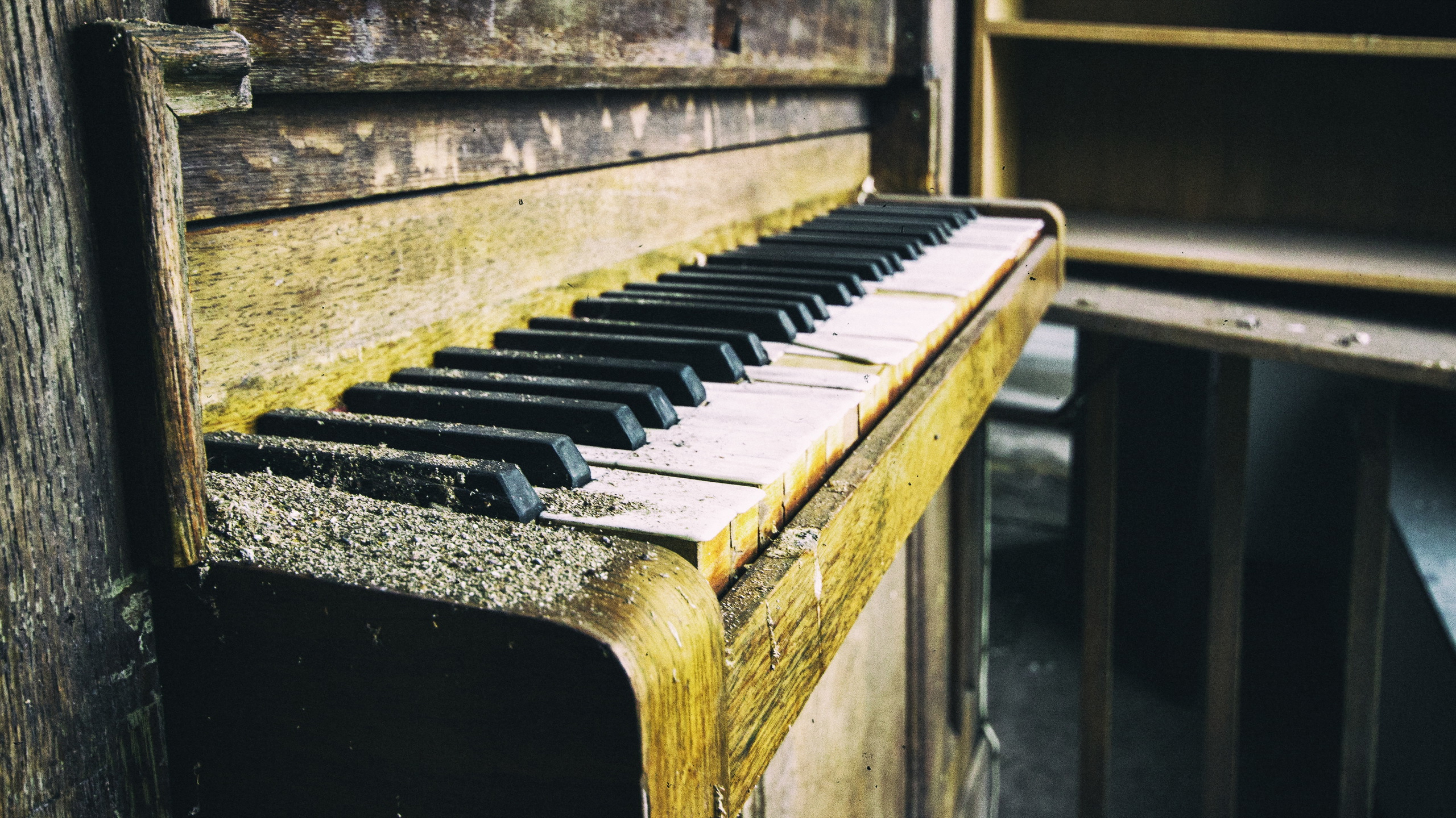 Old Piano Wallpaper 4k 3840x2160 Download Hd Wallpaper Wallpapertip