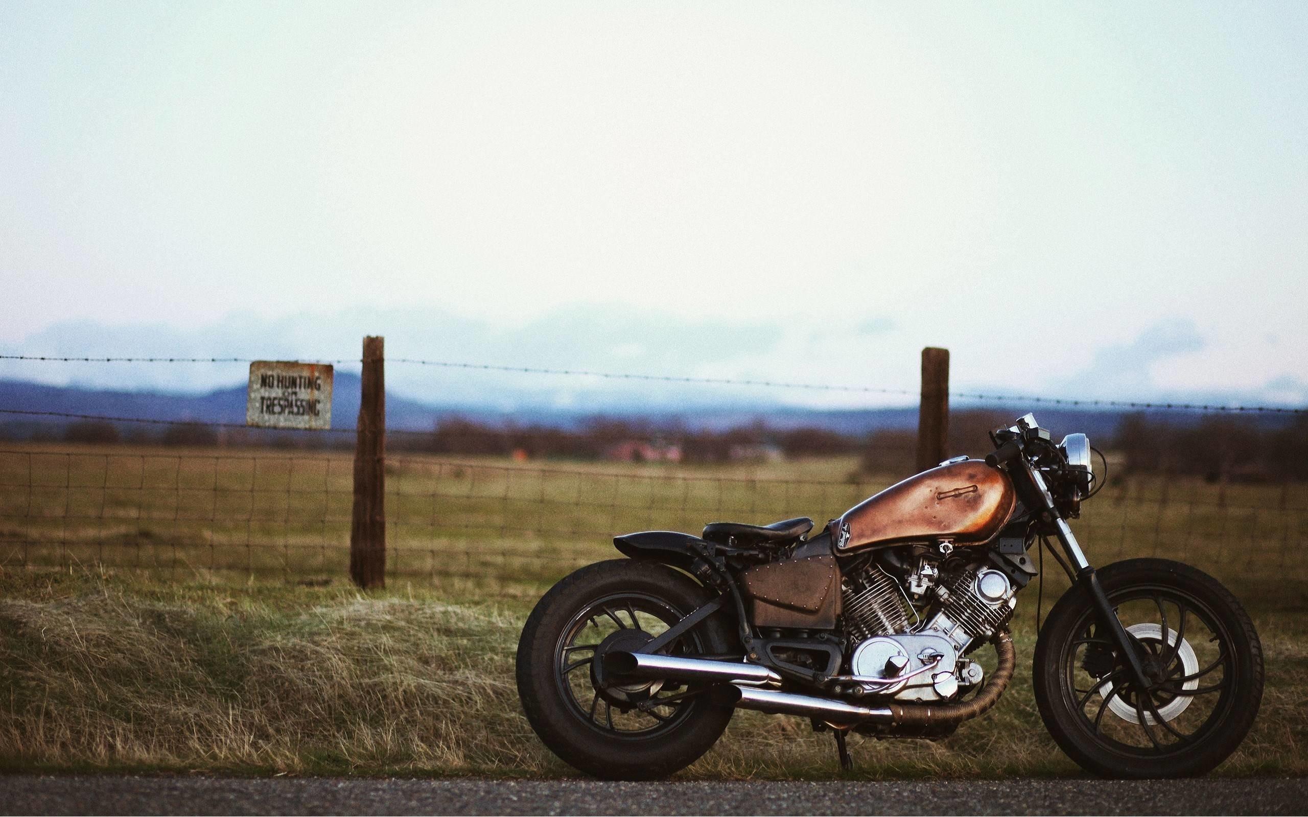 Cafe Racer Desktop Wallpaper Vintage Motorcycle Wallpaper Iphone 2560x1600 Download Hd Wallpaper Wallpapertip