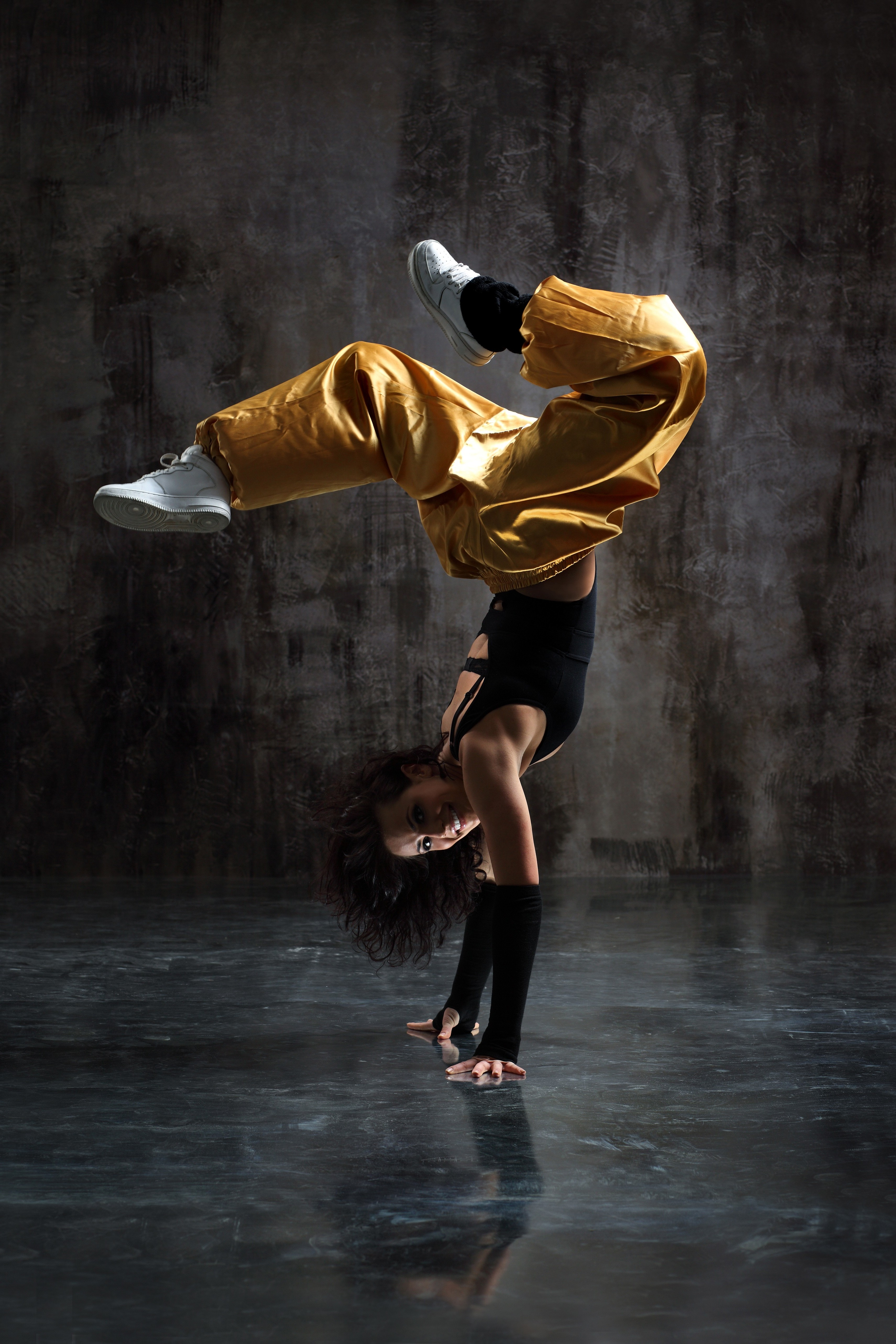 Hip Hop Dancer Wallpaper Hd 3421x5132 Download Hd Wallpaper Wallpapertip