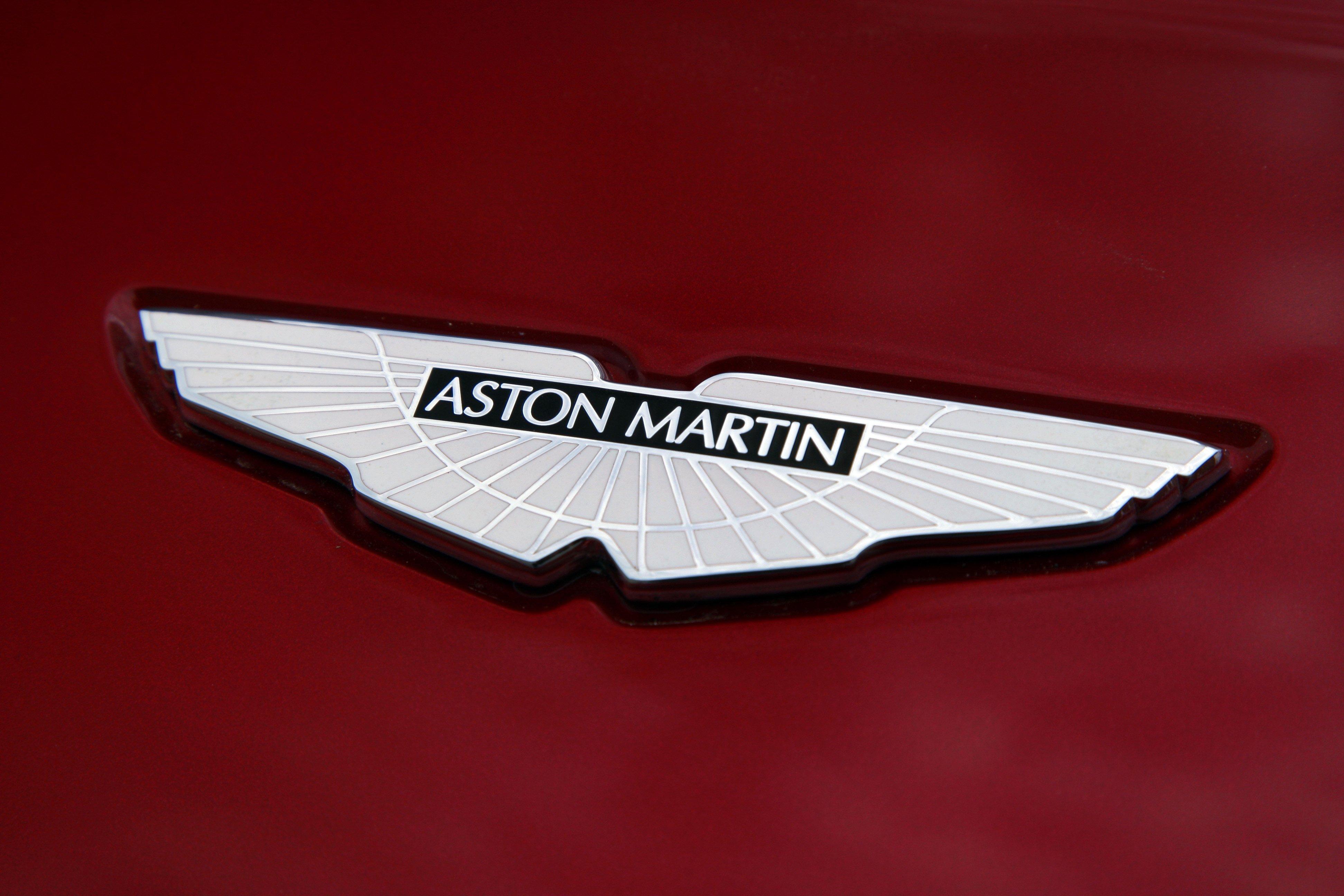 Aston Martin Logo Hd Aston Martin Logo Fondos De Pantalla 3888x2592 Wallpapertip