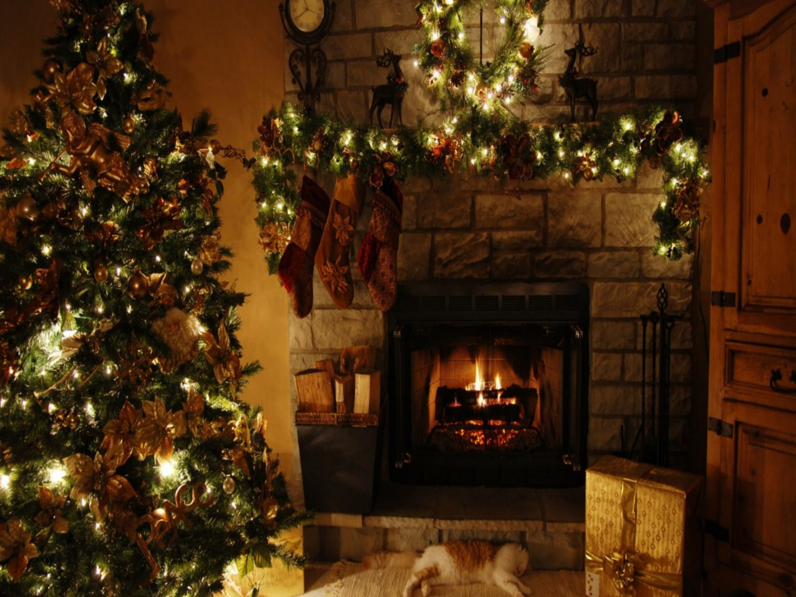 78 787830 christmas fireplace background wallpaper christmas fireplace old fashioned