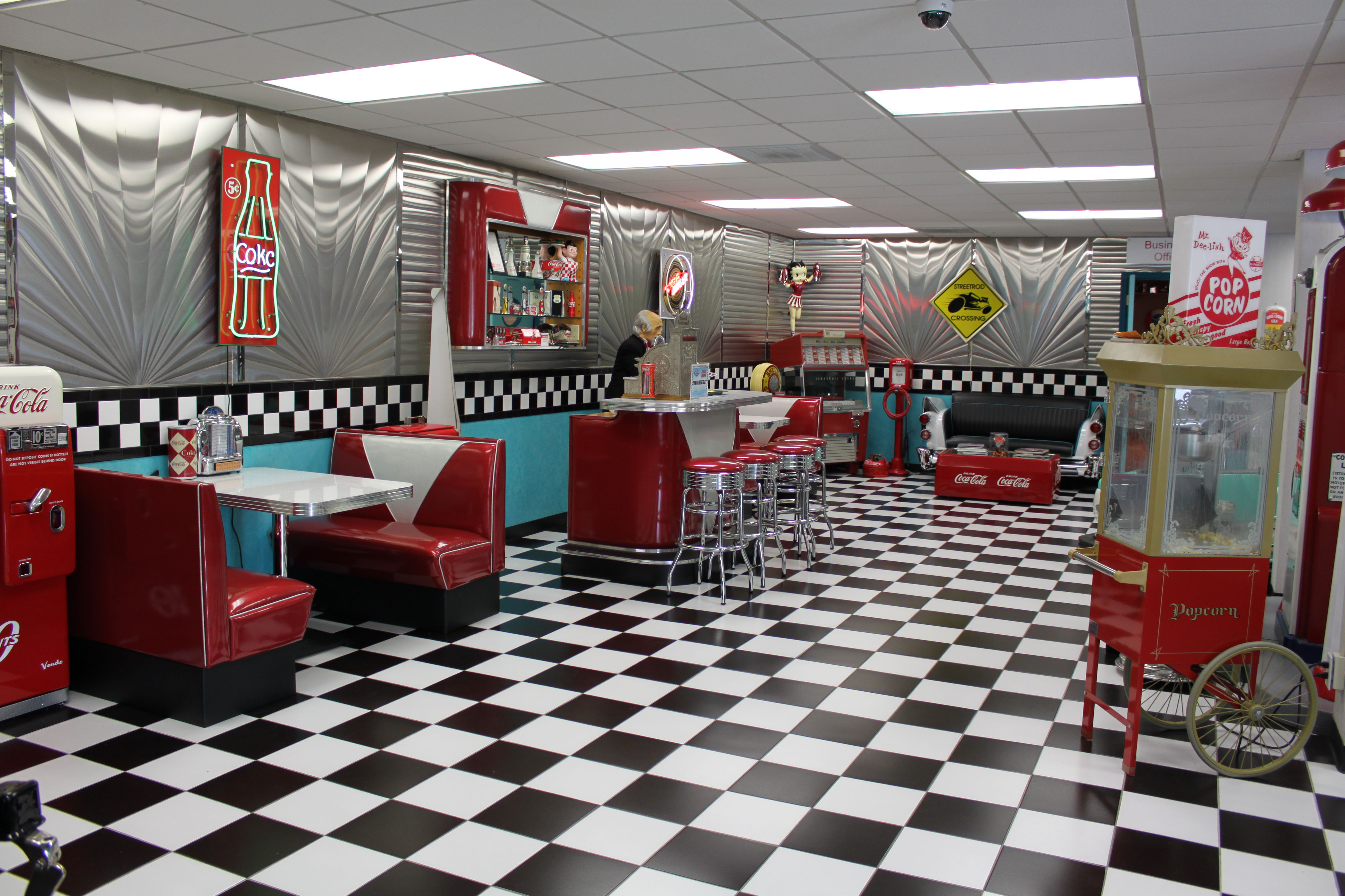 688453 Title Man Made Room Retro Table Chair Wallpaper 50s Diner Background 4752x3168 Download Hd Wallpaper Wallpapertip